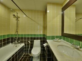 Jomtien Thani Hotel Pataja - Vonios kambarys