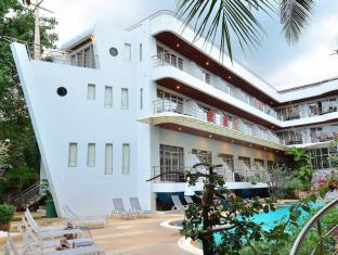Samui First House Hotel Samui - Boat Shape Building