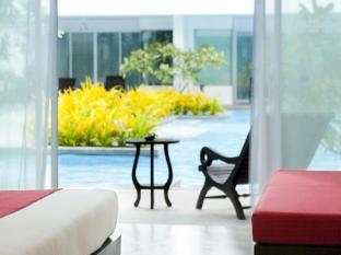 The Old Phuket Karon Beach Resort Phuket - Deluxe Pool Access Room - Serene Wing