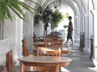 The Old Phuket Karon Beach Resort Phuket - Shark Restaurant
