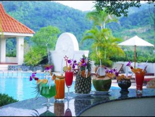 The Old Phuket Karon Beach Resort Phuket - Cocktail