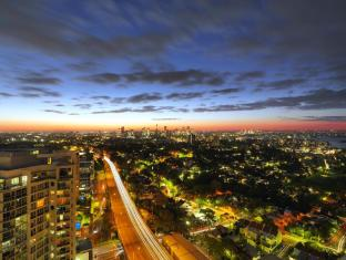 Meriton Serviced Apartments Bondi Junction Sydney - City Views