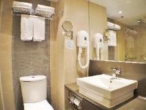 The Cityview Hotel: bathroom