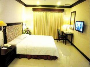 Equator Hotel Сурабая - Вітальня
