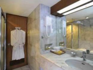 Elmi Hotel सुरबाया - बाथरूम