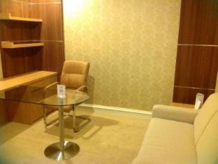 Surabaya Suites Hotel سورابايا - غرفة الضيوف
