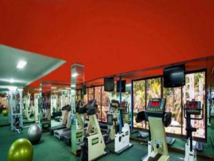 Surabaya Suites Hotel Surabaya - Salle de fitness