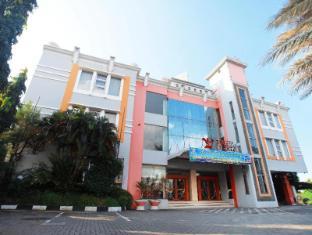 /id-id/plaza-hotel-tegal/hotel/tegal-id.html?asq=jGXBHFvRg5Z51Emf%2fbXG4w%3d%3d