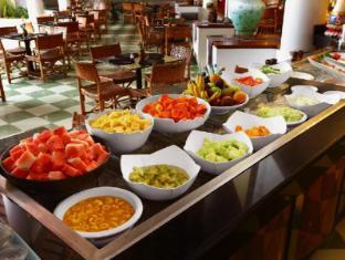 Club Bali Mirage Hotel Bali - Buffet