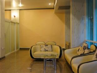 J Two S Pratunam Hotel Bangkok - Interior