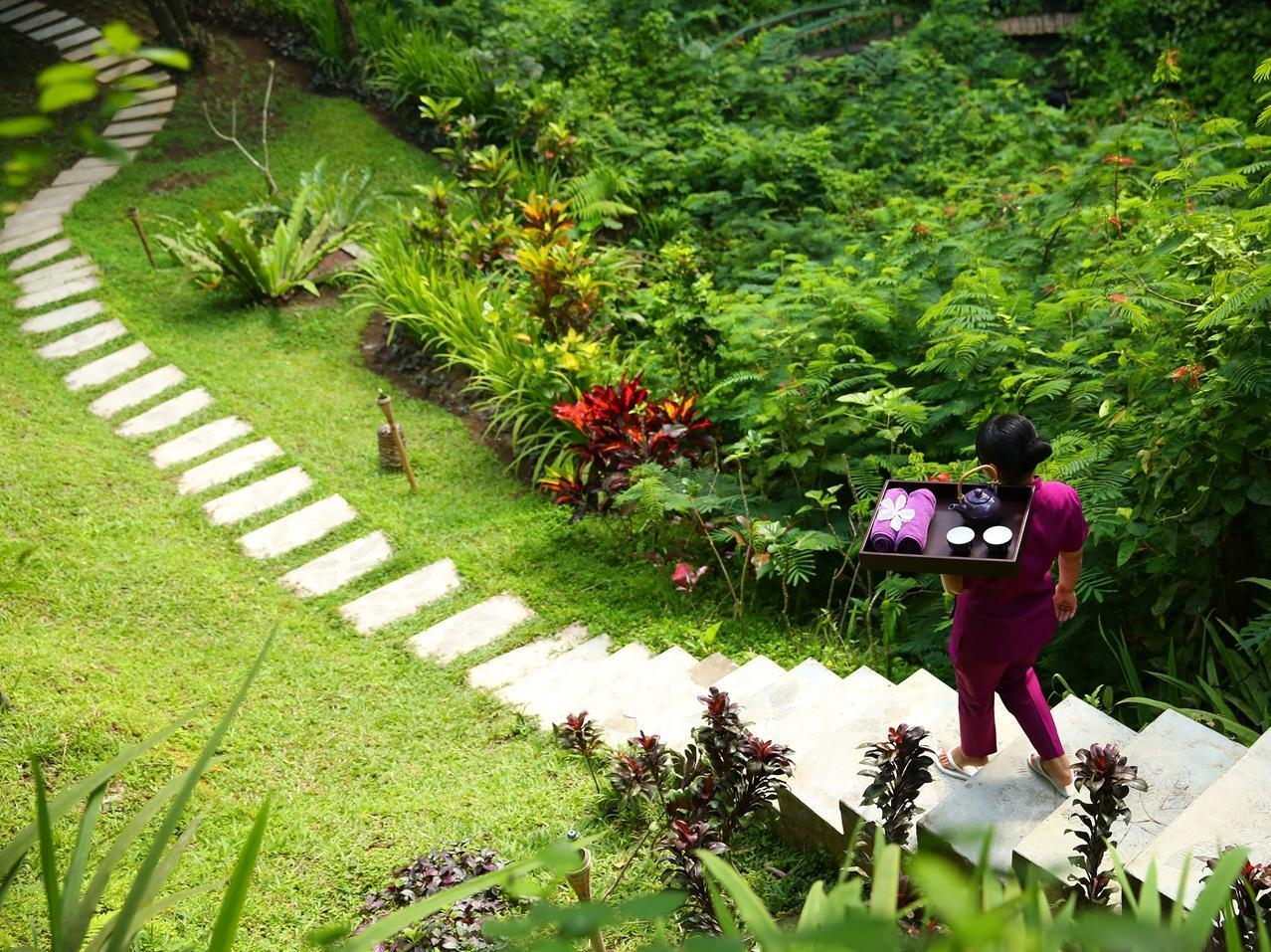 Hanging Garden Of Bali14