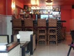 Helen Motel & Pub Cambodia