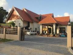 The Manor Beach Resort | Malaysia Budget Hotels