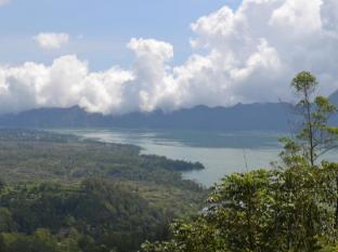 Kintamani Backpackers Bali - Lake Batur from room