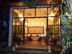 Philippines Hotels | Bakhaw Bed and Breakfast
