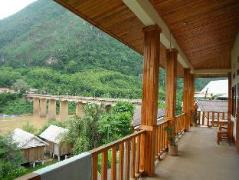 Vongmany Guesthouse | Laos Budget Hotels