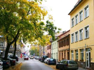 /ko-kr/freddie-next-to-mercury-hotel/hotel/bratislava-sk.html?asq=5VS4rPxIcpCoBEKGzfKvtE3U12NCtIguGg1udxEzJ7nKoSXSzqDre7DZrlmrznfMA1S2ZMphj6F1PaYRbYph8ZwRwxc6mmrXcYNM8lsQlbU%3d