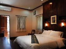 Saynamkhan Wat Nong Villa: guest room
