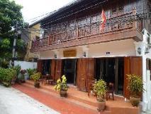 Saynamkhan Wat Nong Villa: exterior