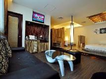 City Home B&B: guest room