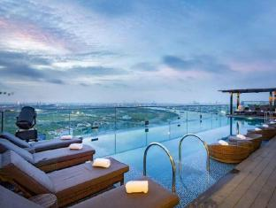 Liberty Central Saigon Riverside Hotel Ho Chi Minh City - Swimming Pool