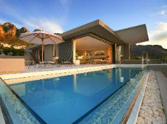 Blue Views Villas and Apartments | Cheap Hotels in Cape Town South Africa
