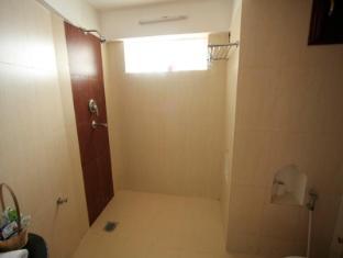 Thagu Chhen A Boutique Hotel Bhaktapur - Bathroom