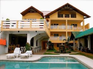 /phi-phi-beach-hotel-island-resort/hotel/bataan-ph.html?asq=jGXBHFvRg5Z51Emf%2fbXG4w%3d%3d