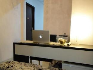 The Comfort Living Inn Hong Kong - Room Interior Design