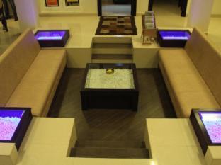 /fort-abode-apartment/hotel/kochi-in.html?asq=GzqUV4wLlkPaKVYTY1gfioBsBV8HF1ua40ZAYPUqHSahVDg1xN4Pdq5am4v%2fkwxg