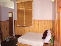 Honey Pine Hotel: