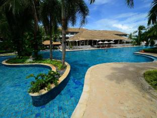 Boat Lagoon Resort Phuket - Swimming Pool