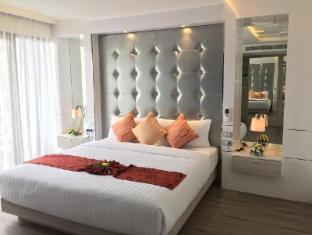 Boat Lagoon Resort Phuket - Premier Deluxe