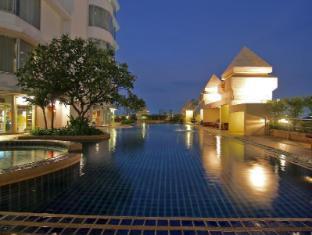 Duangtawan Hotel Chiang Mai - Swimming Pool