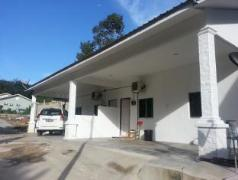 Cheap Hotels in Langkawi Malaysia | D' Teratak Zara Holiday House