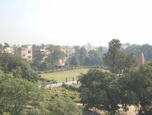 /sharma-guest-house/hotel/amritsar-in.html?asq=jGXBHFvRg5Z51Emf%2fbXG4w%3d%3d