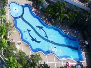 Royal Twins Hotel Pattaya - Swimming Pool