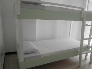 Airport Backpacker's Inn Manila - 4 Bed Shared Dormitory (per bed)