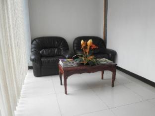 Airport Backpacker's Inn Manila - Lobby
