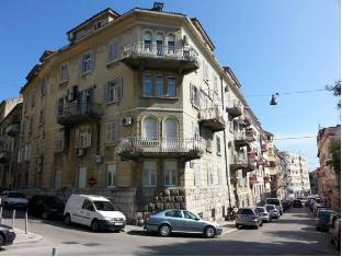 /es-es/hostel-emanuel/hotel/split-hr.html?asq=vrkGgIUsL%2bbahMd1T3QaFc8vtOD6pz9C2Mlrix6aGww%3d