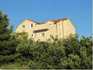 /villa-ankora/hotel/brac-island-hr.html?asq=jGXBHFvRg5Z51Emf%2fbXG4w%3d%3d