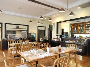 Cape House Serviced Apartment Bangkok - No.43 Italian Bistro