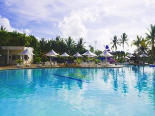 关岛里昂皇宫酒店 关岛 - 游泳池