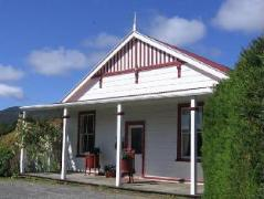 Murrells Grand View House | New Zealand Budget Hotels