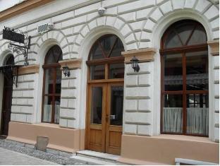 /hotel-ovo-malo-du-e/hotel/sarajevo-ba.html?asq=jGXBHFvRg5Z51Emf%2fbXG4w%3d%3d