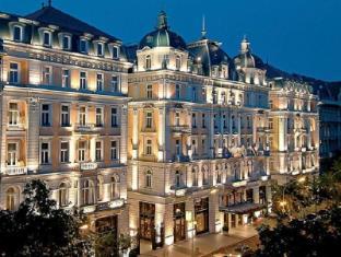 /ja-jp/corinthia-hotel-budapest/hotel/budapest-hu.html?asq=m%2fbyhfkMbKpCH%2fFCE136qXFYUl1%2bFvWvoI2LmGaTzZGrAY6gHyc9kac01OmglLZ7