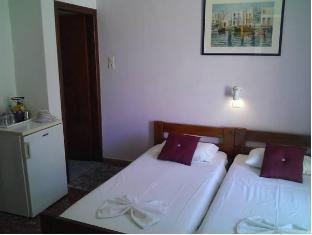 /pension-rena/hotel/paros-island-gr.html?asq=jGXBHFvRg5Z51Emf%2fbXG4w%3d%3d