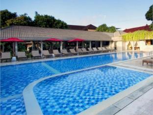 โรงแรมเทวีศรี บาหลี - สระว่ายน้ำ