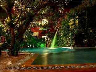 Green Garden Hotel Bali - Night View