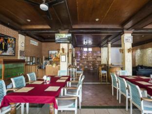 Legian Village Hotel Бали - Ресторант
